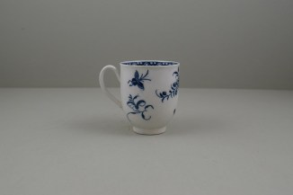 Caughley Porcelain Printed Peony Pattern Coffee Cup, C1778-85.4