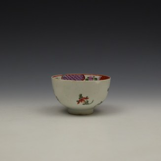 Lowestoft Curtis Floral and Red Border Pattern Teabowl c1780-90 (2)