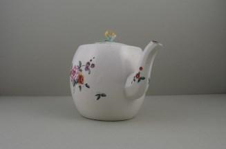 Derby Porcelain Rose pattern Barrel Shape Teapot and Cover (4)