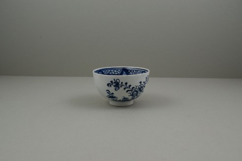 Lowestoft Porcelain Fence Hollow Rock and Peony Pattern Trio, C1785-1800. k