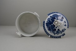 Worcester Porcelain Fence Pattern Butter Tub , Cover and Stand, C1765-80 (10)