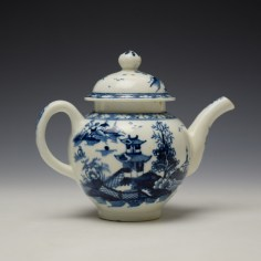 Lowestoft Pagoda and Zig Zag Fence Pattern Miniature Teapot and Cover c1775-85 (5)