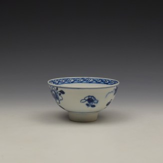 Bow Flowering Root Pattern Teabowl c1760 (3)