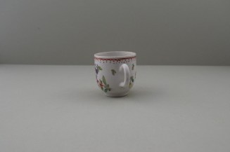 Bow Porcelain Flowers Pattern Coffee Cup, C1768-75. 5