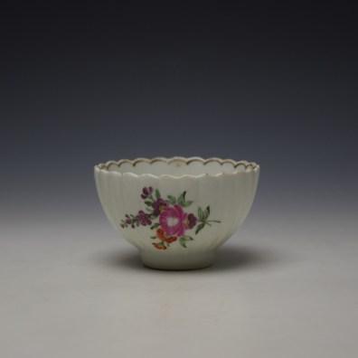 Lowestoft fluted floral teabowl and saucer c1785-90 (2)