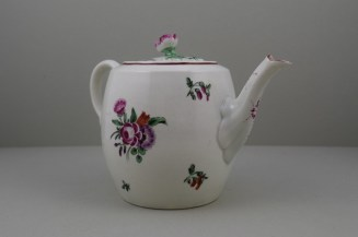 Worcester Porcelain First Period French Style Flower Pattern Barrel Shape Teapot a (4)