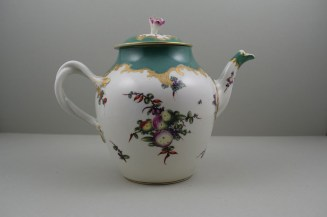 Worcester Porcelain James Giles Spotted Fruit Pattern Teapot, Cover and Stand, C1770 (6)