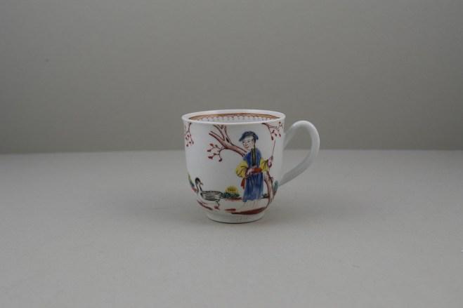 Worcester Porcelain Mandarin Chasing Ducks Pattern Coffee cup, C1770-80 (1)