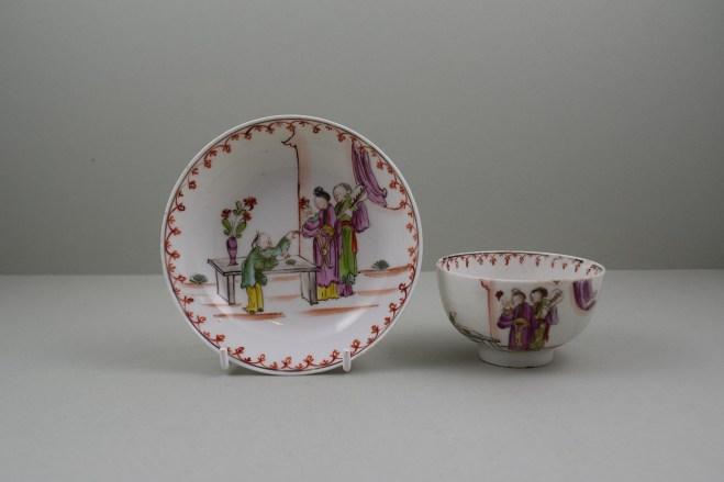 Lowestoft Porcelain Mandarin vase and Purple Curtains Pattern Teabowl and Saucer, C1780-85 (1)