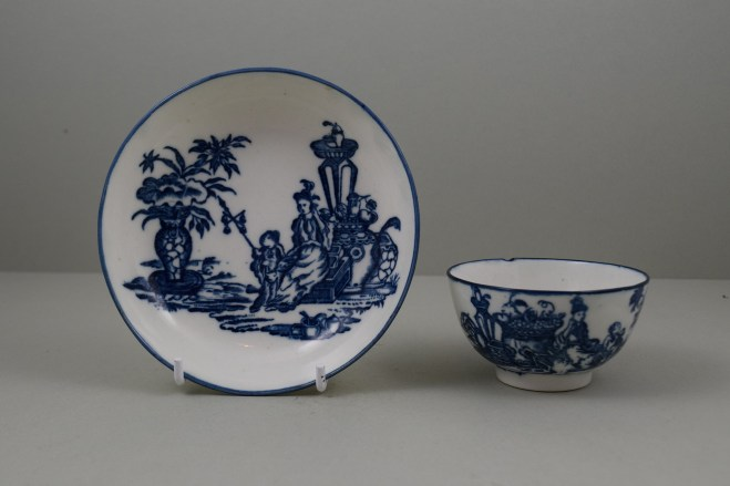 Caughley Porcelain Mother and Child and Bell Toy Patterns Teabowl and Saucer, C1776-90 (1)