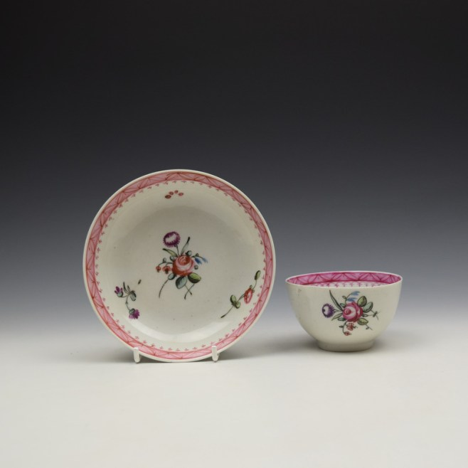 New Hall Rose and Floral Sprays Within a Pink Border Pattern Teabowl and Saucer c1800 (1)