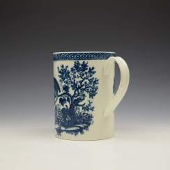 Caughley Parrot Peaking Fruit Pattern Mug c1775-99 (5)