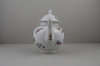 Liverpool Philip Christian's Porcelain Flower Pattern Teapot and Cover, C1760-65 (3)