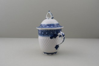 Bow Porcelain Pinecone Moulded Cell Border Pattern Chocolate Cup Cover and Stand. 8