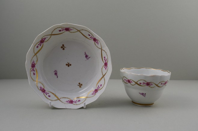 Lowestoft Porcelain Pink Flowers Within Gold Pattern Fluted Teabowl and Saucer, C1790-1800. 1