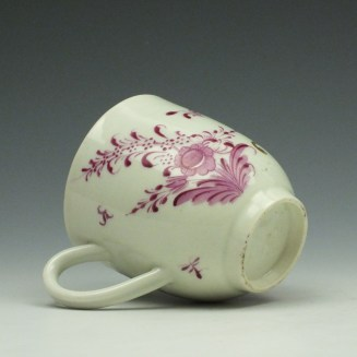 Worcester First Period Puce Floral Pattern Trio c1765-75 (8)