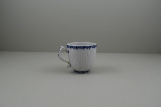 Lowestoft Porcelain Early Ribbed Flower Flower Band Border Pattern Coffee Cup, C1760-65 (4)