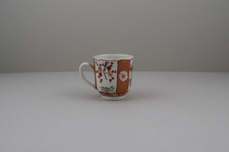 Liverpool Porcelain Richard Chaffers Scarlet Japan Pattern Coffee Cup, C1760 (4)