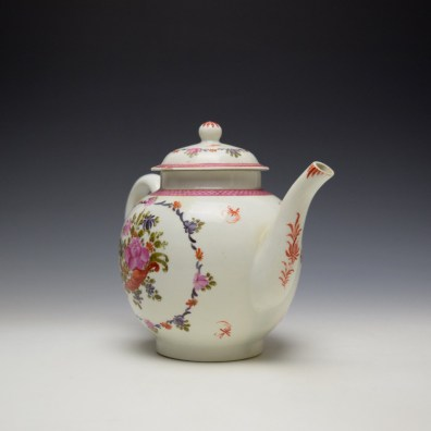 Lowestoft Rose and Cornucopia Within a Floral Garland Pattern Teapot and Cover c1775-80 (3)