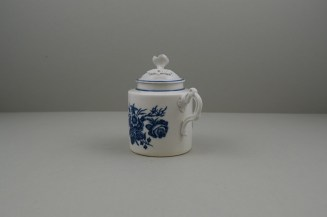 Worcester Porcelain Dr Wall Period Three Flowers Pattern Mustard Pot and Cover, C1770-80. 6