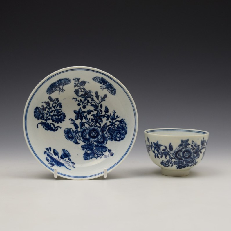Lowestoft Three Flowers Pattern Teabowl and Saucer c1780-85 (1)