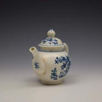 Lowestoft Three Flowers Pattern Toy Teapot and Cover c1770-80 (2)