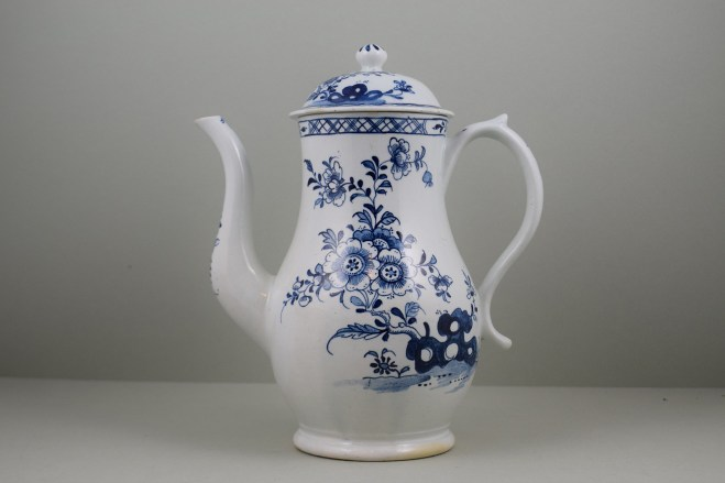 Lowestoft Porcelain Three Peony and Rock Pattern Coffee Pot and Cover, C1770-85 (0)