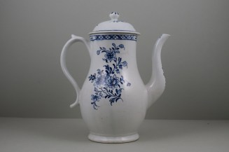 Lowestoft Porcelain Three Peony and Rock Pattern Coffee Pot and Cover, C1770-85 (4)