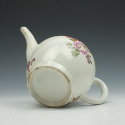 Lowestoft Porcelain Tulip Painter Teapot and Cover c1770 (11)