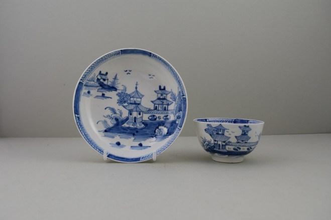 Lowestoft Porcelain Two Pagoda Bridge Landscape pattern Teabowl and Saucer, C1775-90 (1)