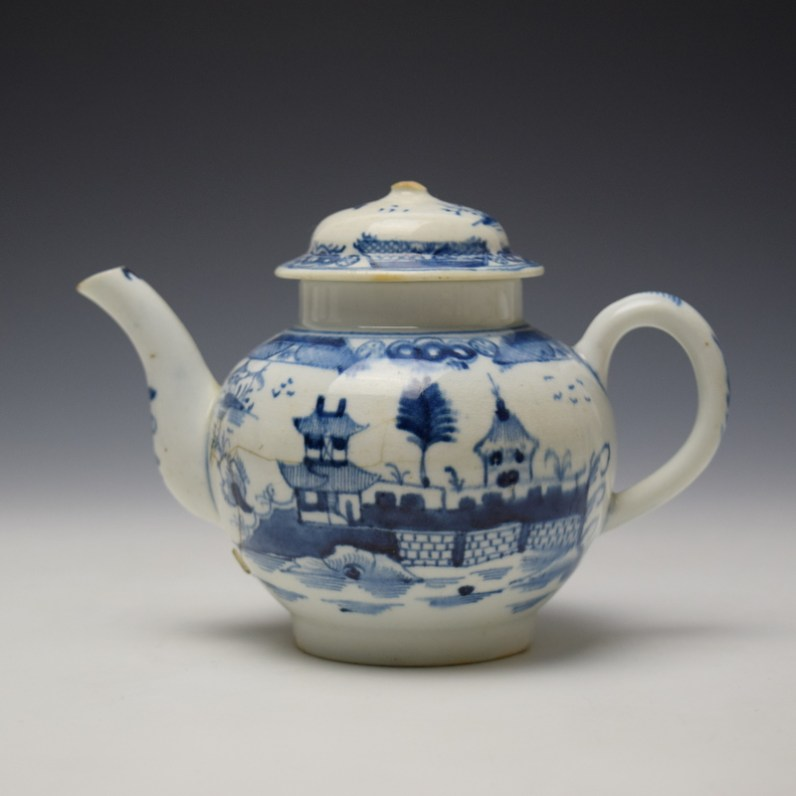Uncommon Lowestoft Two Pagoda and Walled Garden Teapot and Cover c1780-90 (1)