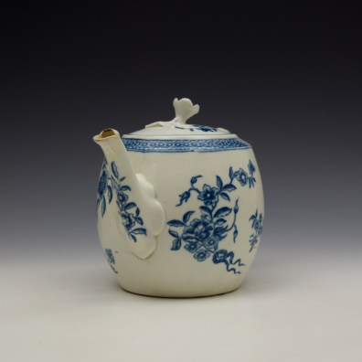 Worcester Ribbon Root Pattern Teapot and Cover c1775 (2)