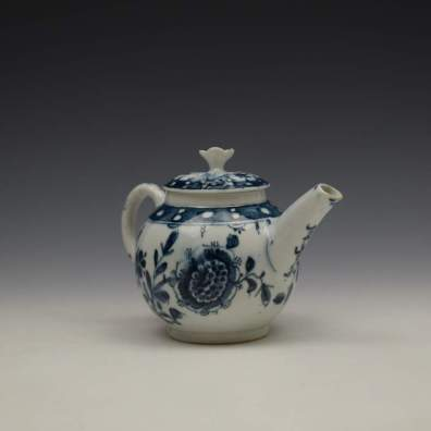 Lowestoft Porcelain Sunflower Pattern Toy Teapot and Cover c1762-63 (5)