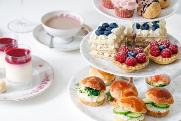 High Tea etagere