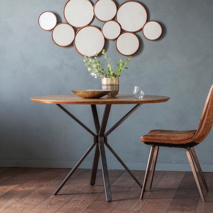BANRES ROUND DINING TABLE