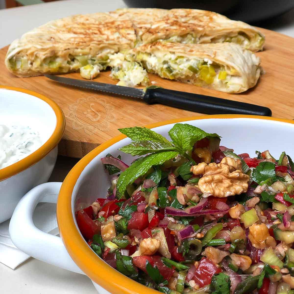 Gavurdagi salatasi, Börek mit Lauch und Haydari