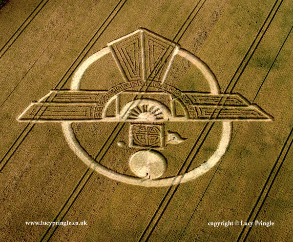 Uffcot Down, Barbury Castle, Wiltshire. 25 July 2015. Wheat. c.180 ft (55m) A complex formation representing Horus the Egyptian Falcon God or the sacred Thunderbird in Indigenous American culture.