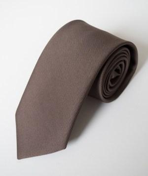Cravate en satin gris moyen