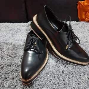 RootsandLeisure_PreOwned_Oxfords2