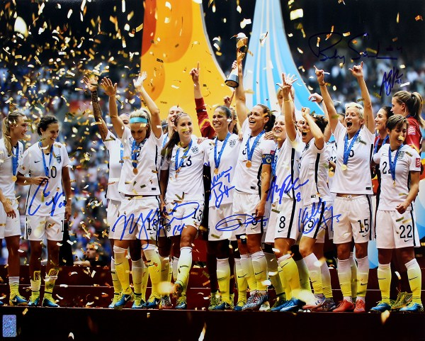 USA Women's Soccer Team Autographed 2015 World Cup ...