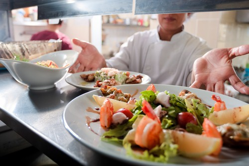 How to stay healthy while dining out. Control your portions.