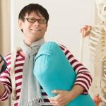 ヨガ解剖学講師内田かつのりプロフィール写真