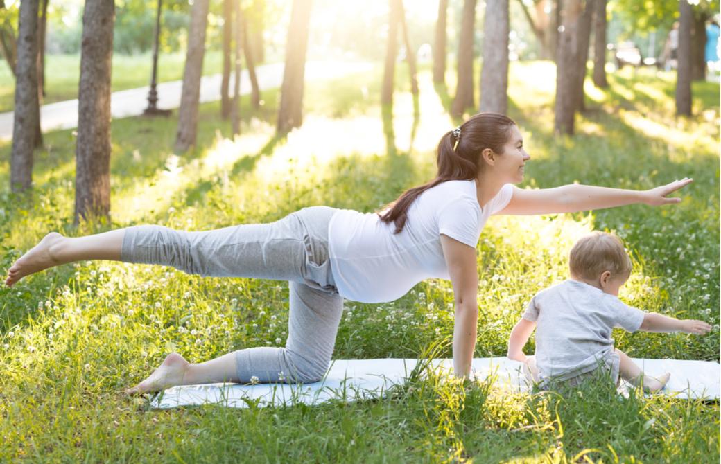 妊婦さんがマタニティヨガや産後ヨガを学ぶことで得られる3つのメリット