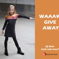 WAAAW! REVIEW & GIVE-AWAY