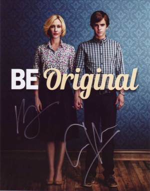 Bates Motel In-person autographed Cast Photo