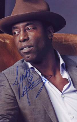 Isaiah Washington in-person autographed photo