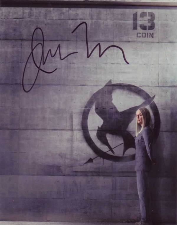 Julianne Moore in-person autographed photo Hunger Games