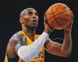 Kobe Bryant in-person autographed photo LA Lakers