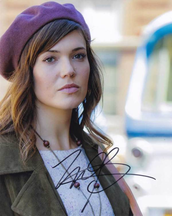 Mandy Moore in-person autographed photo