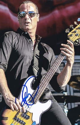 Robert DeLeo in-person autographed photo Stone Temple Pilots
